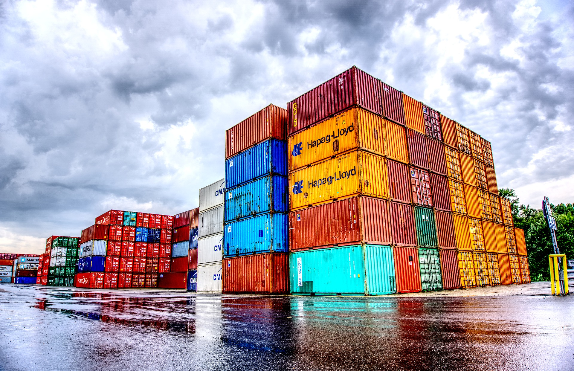container-2687310_1920