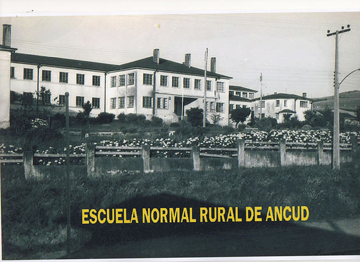 https://www.chilove.cl/single-post/2018/08/24/CASA-DE-CULTURA-INVITA-Escuela-Normal-Rural-1931-1973